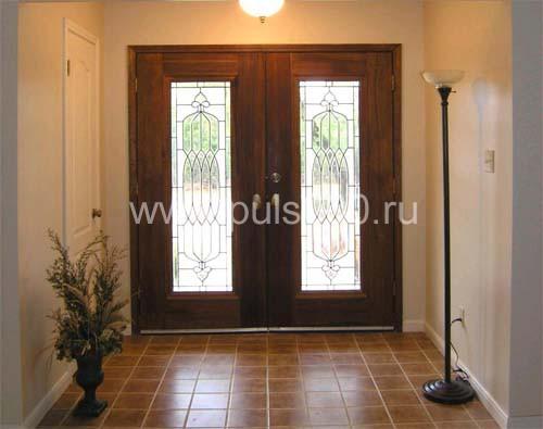 входные двойные двери со стеклом