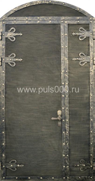 двери железные состаренные