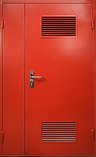 железная дверь для бойлерной с отделкой