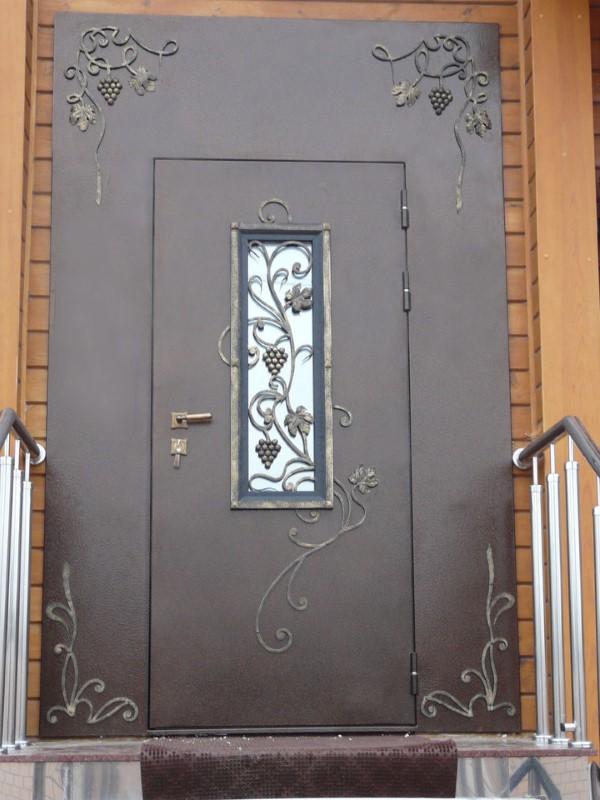 заказ входных дверей для таунхауса в москве