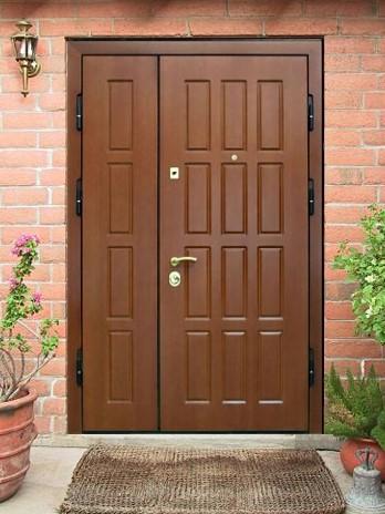 двери двустворчатые металлические наружной установки